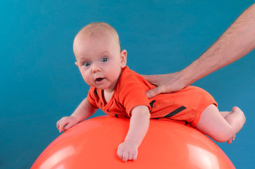 baby mit ball2